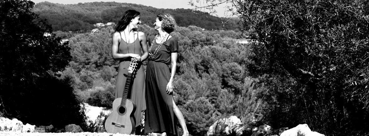 YOGA Frauen Gitarre